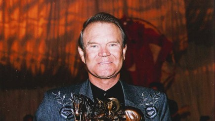 Glen Campbell with Autry's Humanities Prize, 2004